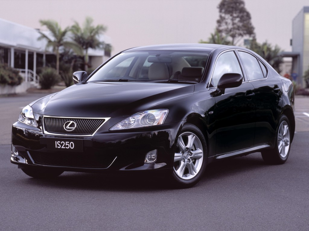 Авто Lexus IS 250