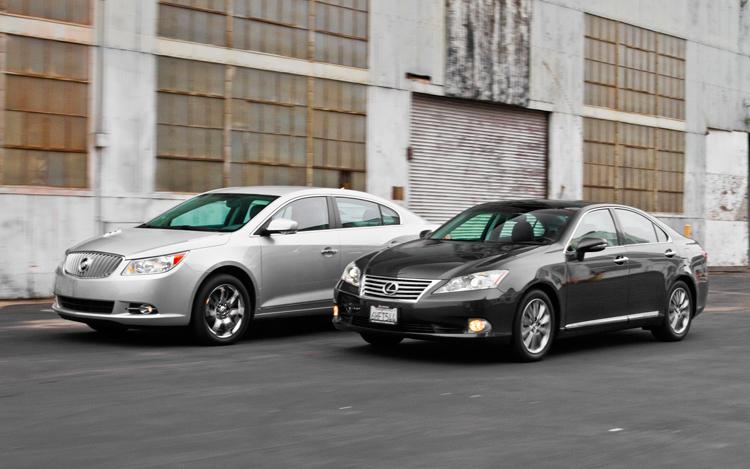 Buick LaCrosse против Lexus ES 350, кто побеждает