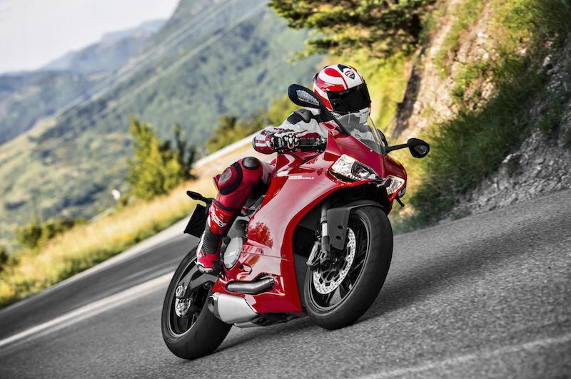 Ducati 899 Panigale выходит в свет