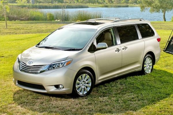 2015-Toyota-Sienna-Minivan-Van-L-7-Passenger-4dr-Front-wheel-Drive-Passenger-Van-Photo-2