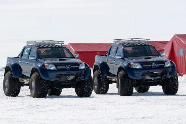 Toyota-Hilux-HD-Wallpapers