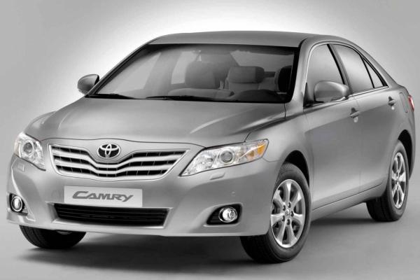 Toyota_Camry_1