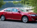 Toyota_Camry red