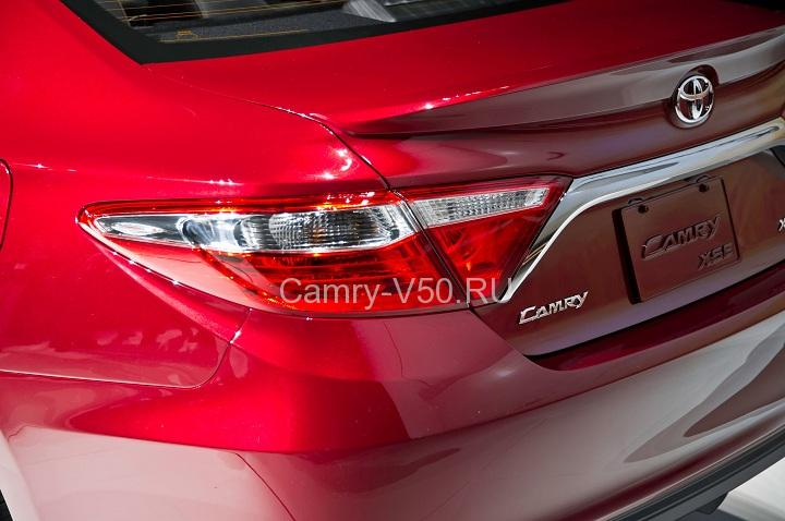 Toyota Camry 2015 задний фонарь