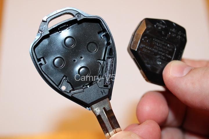 как разобрать ключ Toyota Camry