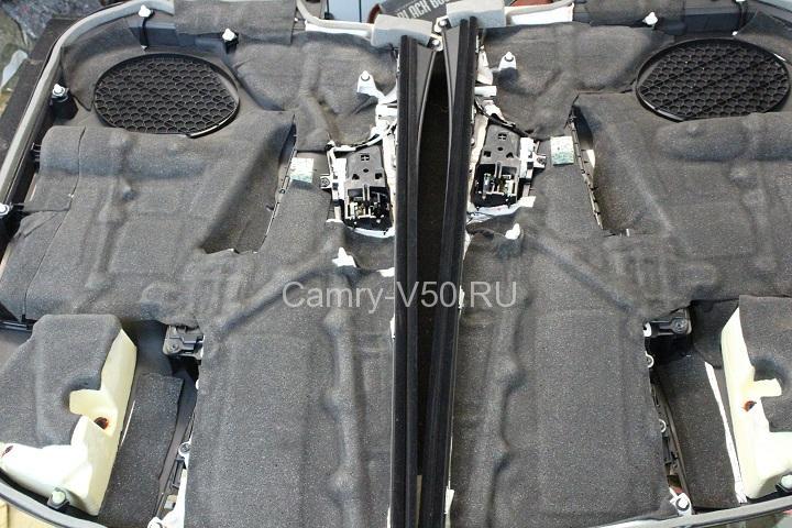 изоляция внутренних накладок передней дверей Toyoyta Camry