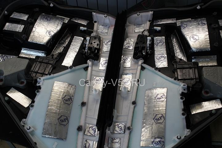 изоляция внутренних накладок задних дверей Toyoyta Camry