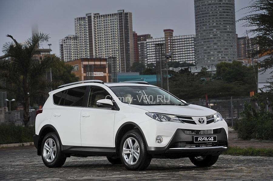 Toyota-RAV4-2014