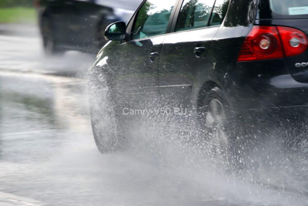 driver_in_rain_autolady_instructor