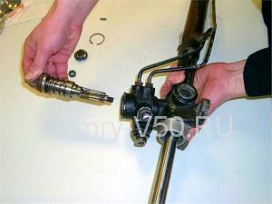 Подтяжка рулевой рейки своими руками