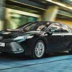 Обновленная Toyota Camry спешит удивлять